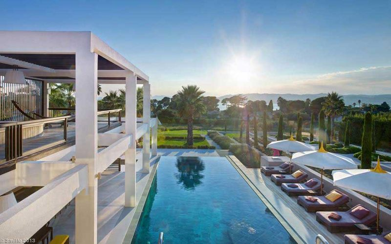 vue sur jardin et piscine - villa location cap d'antibes - France