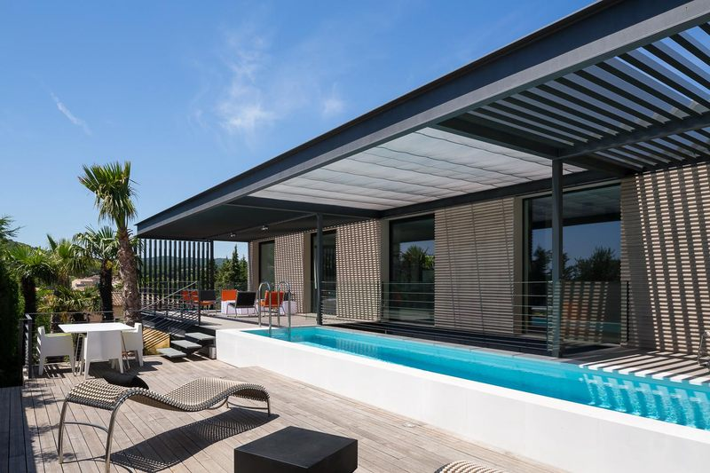 piscine et terrasse - maison H3 - villa-contemporaine par Vincent Coste Architectes - St-Tropez - Photo Florent Joliot