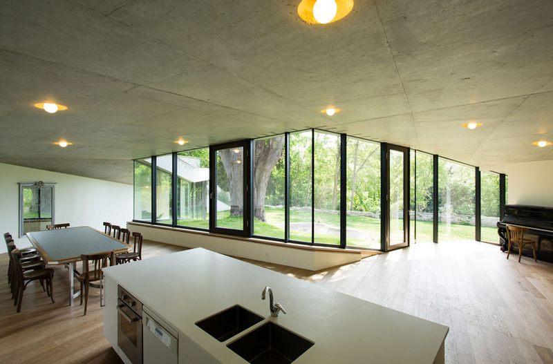 ilot cuisine - Maison PLJ par Hertweck Devernois Architectes Urbanistes, St Germain en Laye, France - photo Siméon Levaillant