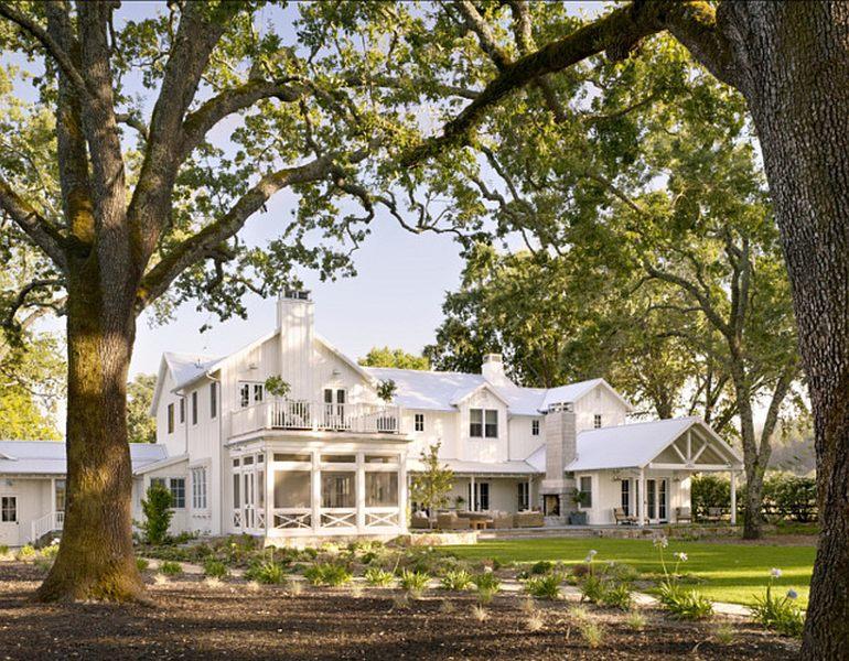 Fa ade entr e transitional farmhouse design par total - La contemporaine villa k dans les collines de nagano au japon ...