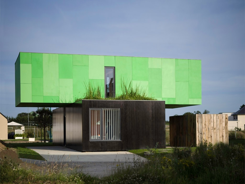 vue terrasse et toiture végétalisée - CrossBox par CG Architectes -  Pont Péan, France - photo Javier Callejas
