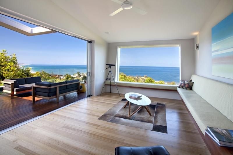 salon et terrasse - Coolum Bays House par Aboda Design Group - Coolum Beach, Australie - photo Paul Smith