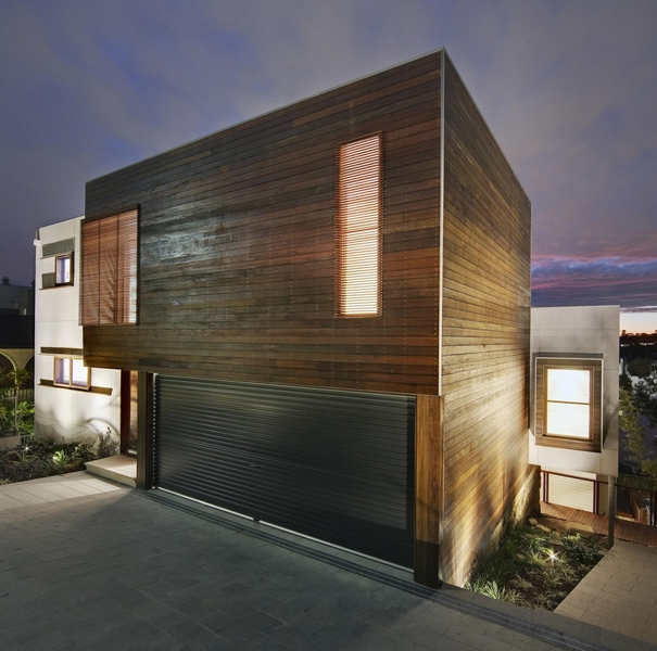 entrée garage - Tennyson Point Residence par CplusC - Sydney, Australie - Photo Murray Fredericks