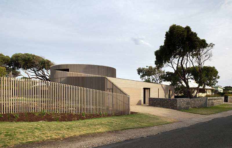 Maison bois contemporaine par jackson clements burrows australie construire tendance for Cloture de jardin contemporaine
