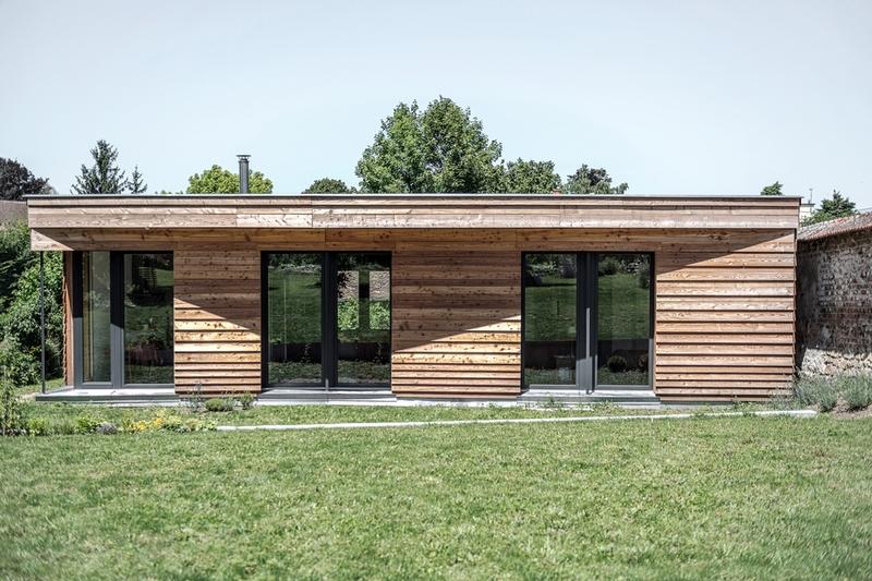 Maison bois contemporaine bioclimatique par guillaume for Maison bois bioclimatique