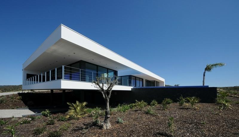 Mario martins cada sernadinha construire tendance - La contemporaine villa k dans les collines de nagano au japon ...