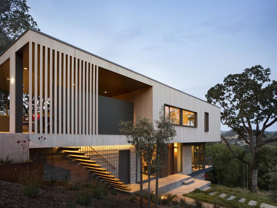 façade entrée de nuit - résidence d'été par Shands Studio Architects - San Anselmo, Usa