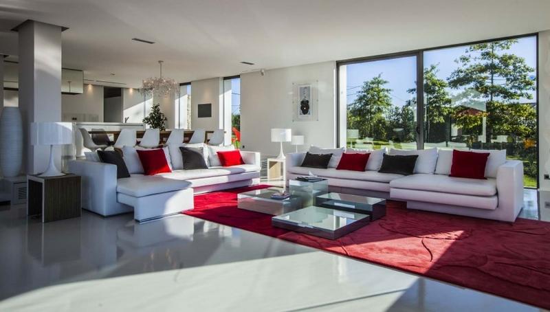 Location villa contemporaine avec piscine au pays basque for Grand salon design