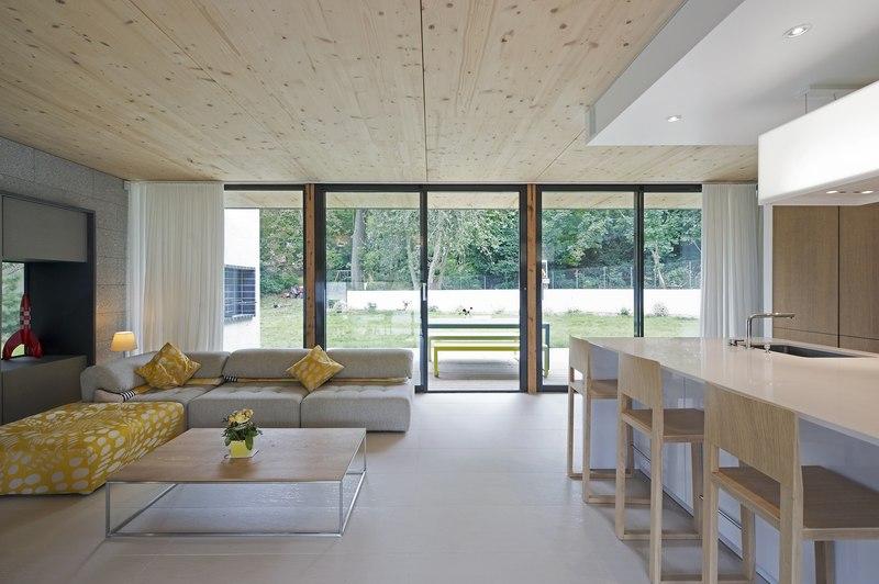 cuisine et salon - War house par A+B architectes - Montmorency, France