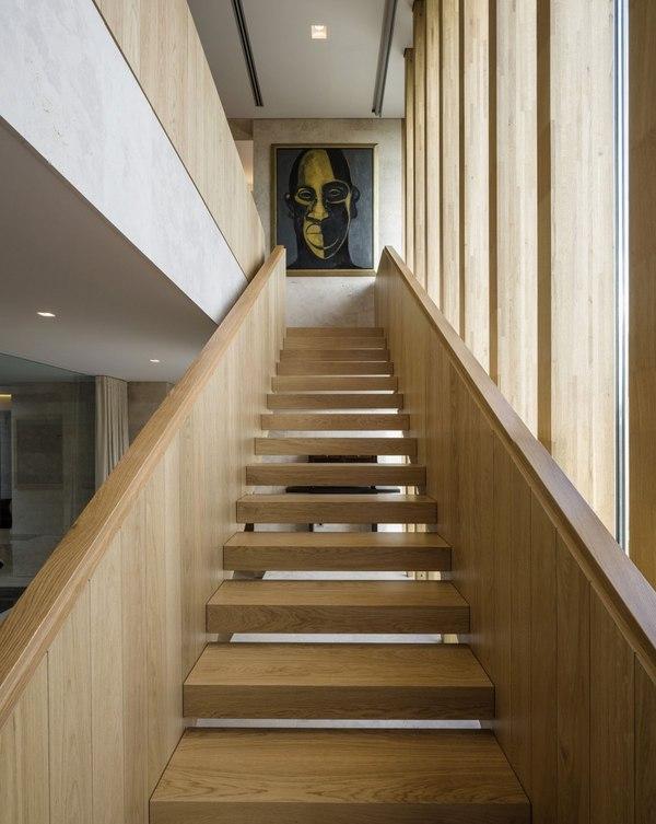 Escalier bois vivienda en son vida par negre studio rambla 9 arquitec - Construire son escalier ...