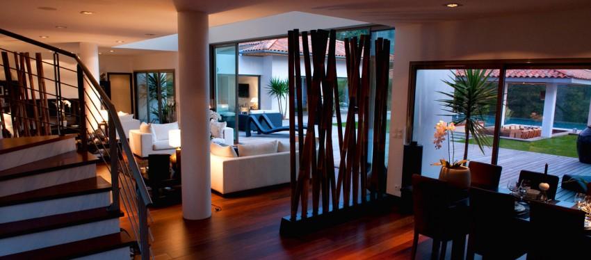 villa en location dans le pays basque construire tendance. Black Bedroom Furniture Sets. Home Design Ideas