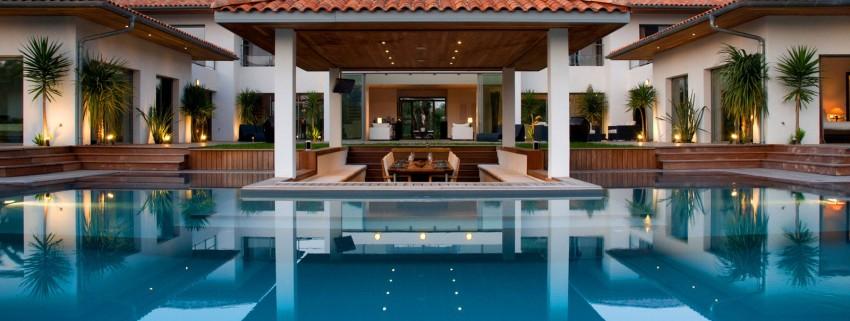 séjour au milieu de la piscine - Villa Hermitage - Arbonne, France
