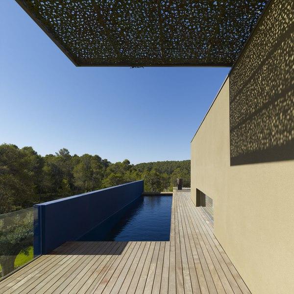 piscine en balcon - Villa T  par Boyer Percheron Assus architecture - Saint-Gély-du-Fesc, France