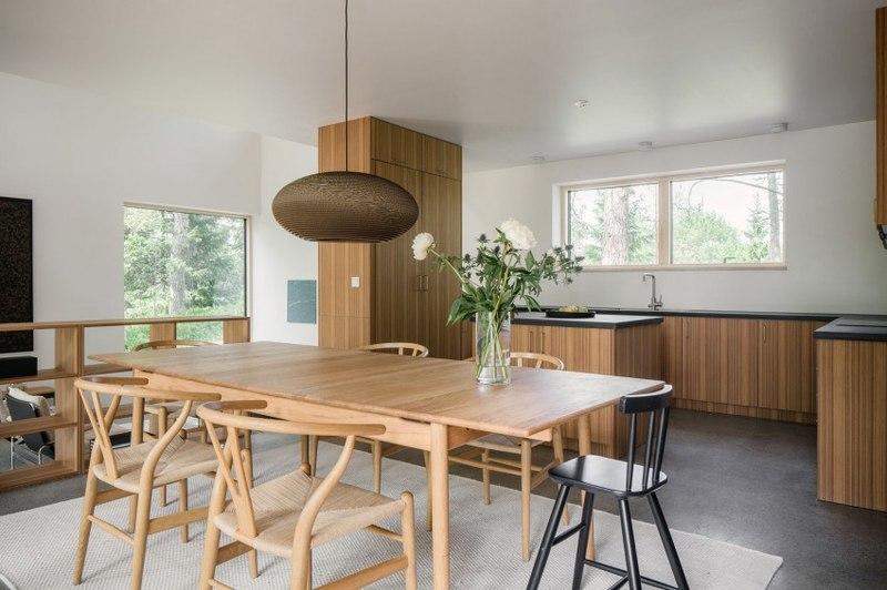 séjour et cuisine - Torsby III par Max Holst Arkitekt - Stockholm, Suède