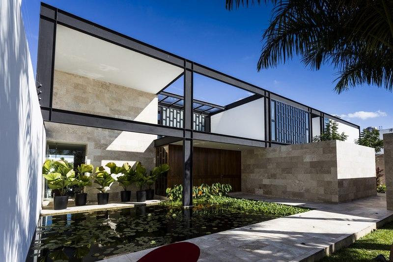 façade entrée - Montebello 321 par Jorge Bolio Arquitectura - Merida, Mexique