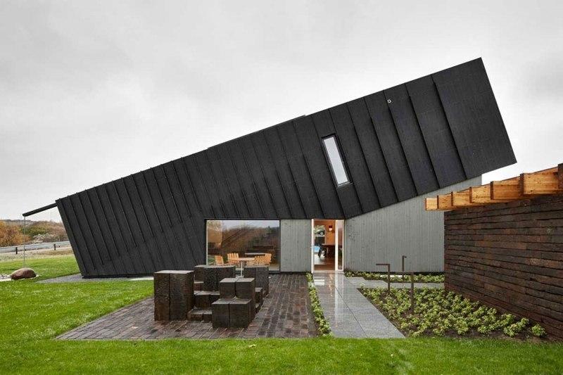 façade entrée - ZEB Pilot House par Snøhetta -  Larvik, Norvège