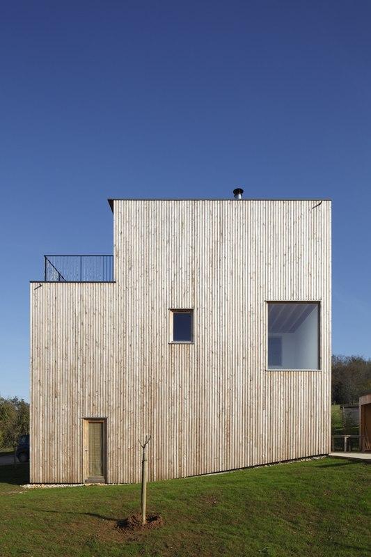 Maison bois contemporaine par bernard quirot architecte for Architecte maison bois contemporaine