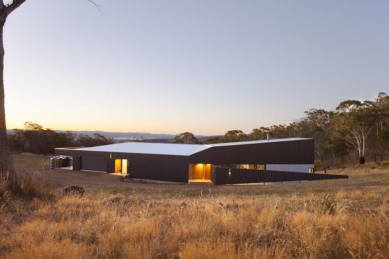 façade arrière et panorama - Valley House par Philip M Dingemanse - Launceston, Australie
