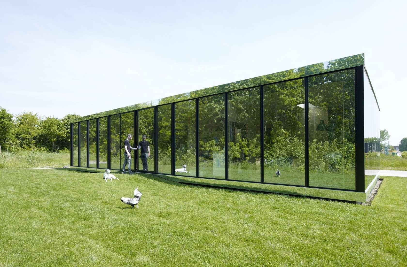 R flexion et transparence quand la maison se fait - La demeure moderne gb house par mmeb architects ...