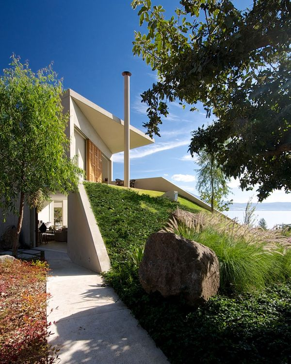 Maison contemporaine semi-enterrée en pleine nature au Mexique ...