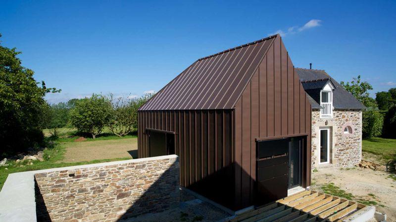 extension d une ancienne b tisse en maison contemporaine en bretagne construire tendance. Black Bedroom Furniture Sets. Home Design Ideas