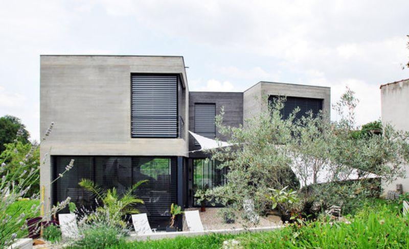 façade-principale-maison-exclusive-par-SKP-Architecture-France  + d ...