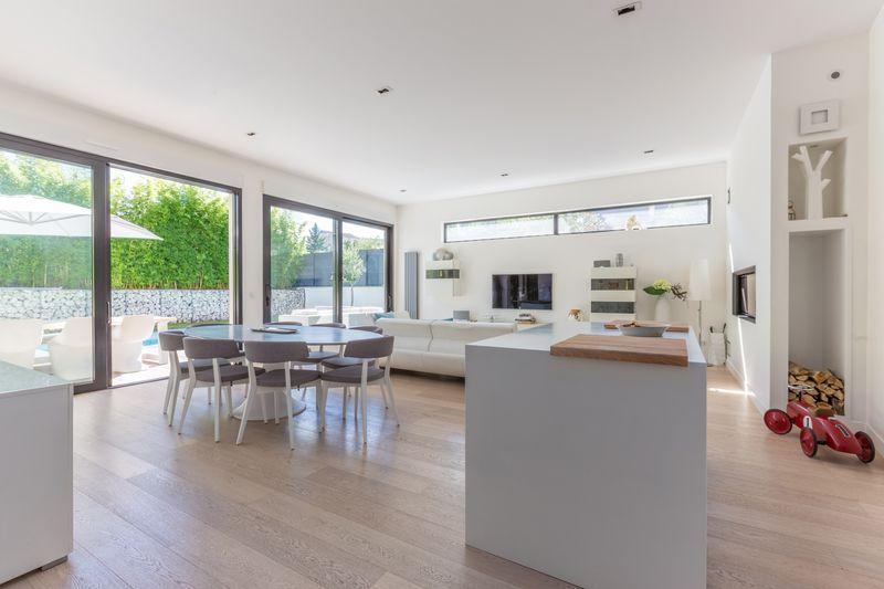 pièce de vie - maison ossature bois par Groupe Futura - France