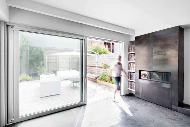 baie vitrée terrasse - Résidence LeJeune par Architecture Open Form - Montréal, Canada