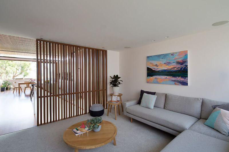 Grande maison urbaine se distinguant par son style contemporain sydney construire tendance - Salon sejour design ...