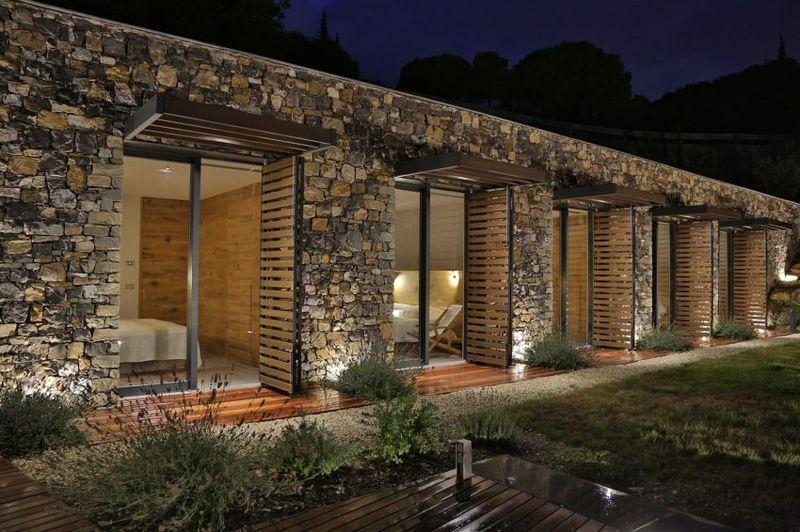 Superbe villa en pierre sur les bords de la m diterran e - Maison en pierre giordano hadamik architects ...