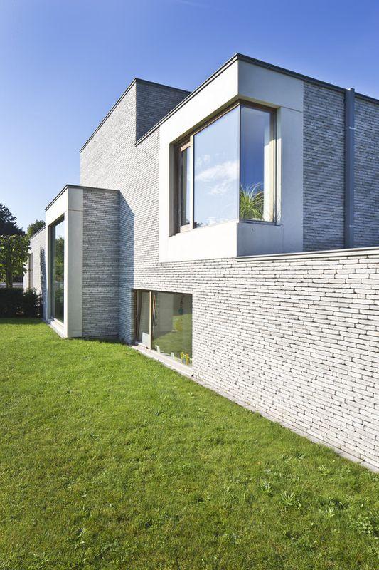 Bi ton osez une touche de couleurs sur votre maison contemporaine constru - Couleur facade tendance ...