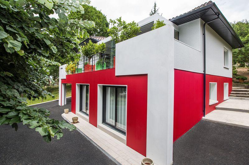 R novation et transformation d une maison typique du pays for Agrandir fenetre sous sol