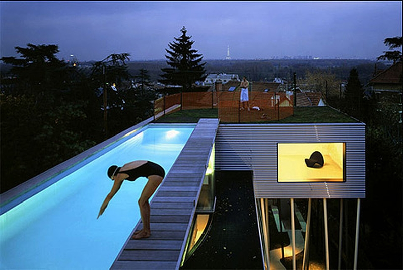 12 piscines int gr es au toit ou un niveau sup rieur construire tendance. Black Bedroom Furniture Sets. Home Design Ideas