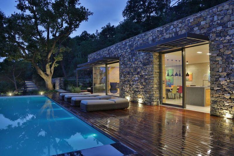 Superbe villa en pierre sur les bords de la m diterran e - Bain de soleil piscine ...