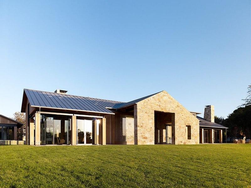 maison contemporaine en b ton et bois traditionnelle aux usa construire tendance