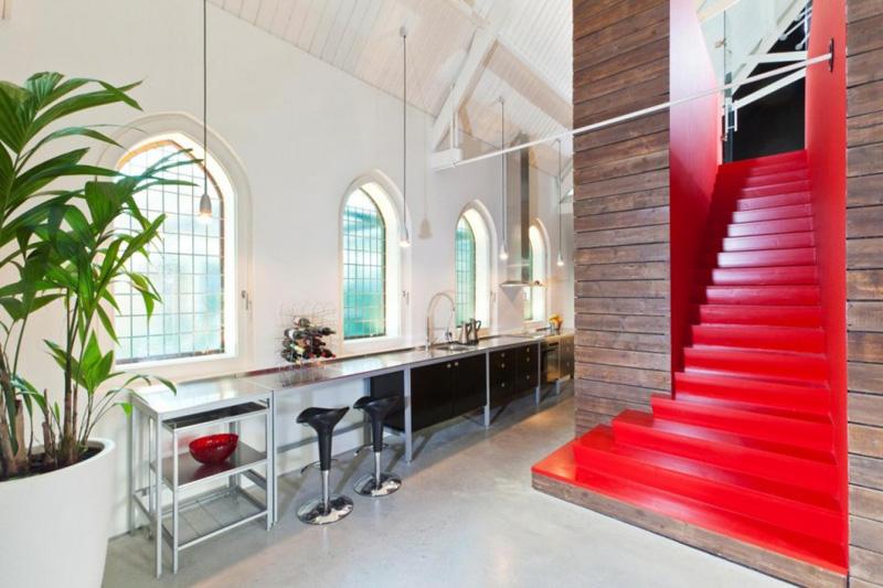 Lot central de cuisine escalier old dutch church par dobbelsteen architects haarlo - Maison originale bagnato architecte ...