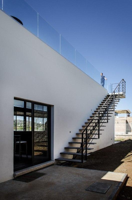 la tomatina house par plastik arquitectos aguascalientes mexique construire tendance. Black Bedroom Furniture Sets. Home Design Ideas