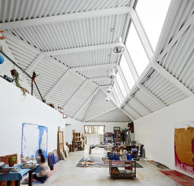 maison et atelier d 39 artiste par miba architects gij n espagne construire tendance. Black Bedroom Furniture Sets. Home Design Ideas
