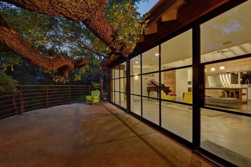 ancienne hacienda mexicaine r nov e en maison contemporaine aux usa construire tendance. Black Bedroom Furniture Sets. Home Design Ideas