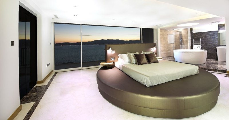 chambre et lit rond new aloes gibraltar construire tendance. Black Bedroom Furniture Sets. Home Design Ideas