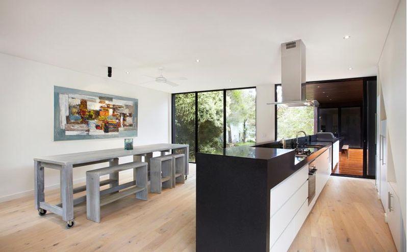 maison contemporaine bois et porte faux construire tendance. Black Bedroom Furniture Sets. Home Design Ideas