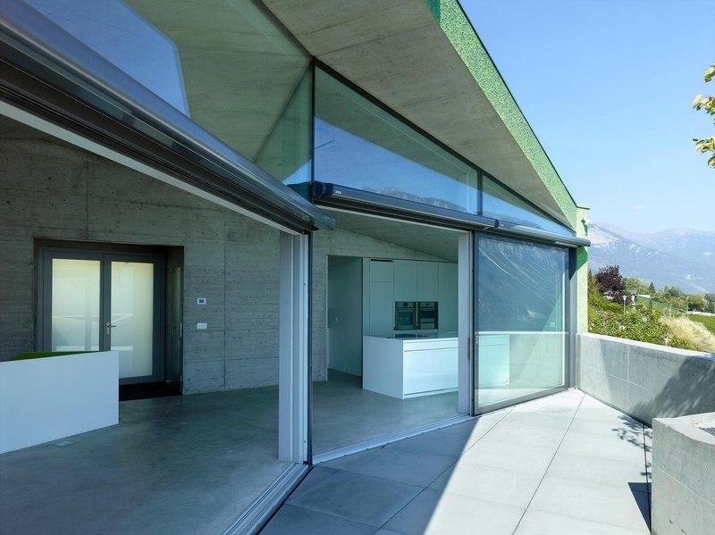 Maison iseli par fran ois meyer architecture venth me - Maison campagne suisse fovea architects ...