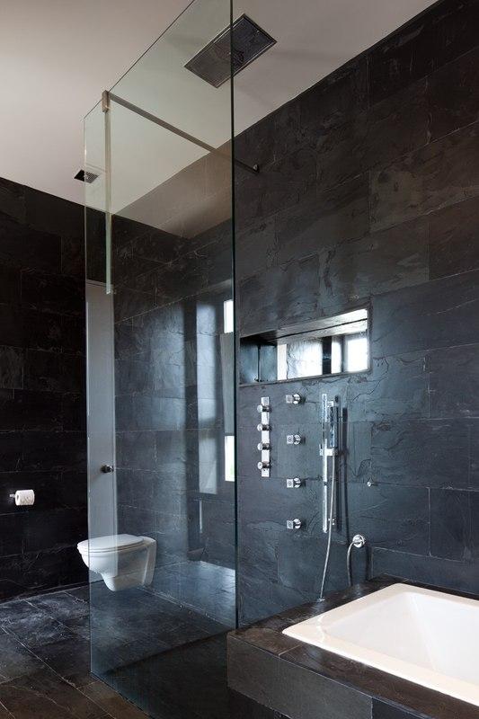 Bella vita villa par prototype design lab les turques - Construire douche exterieure ...
