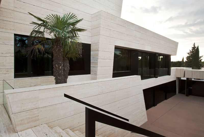 Architecture originale sur une maison moderne avec grande piscine en espagne - Escalier exterieur maison ...