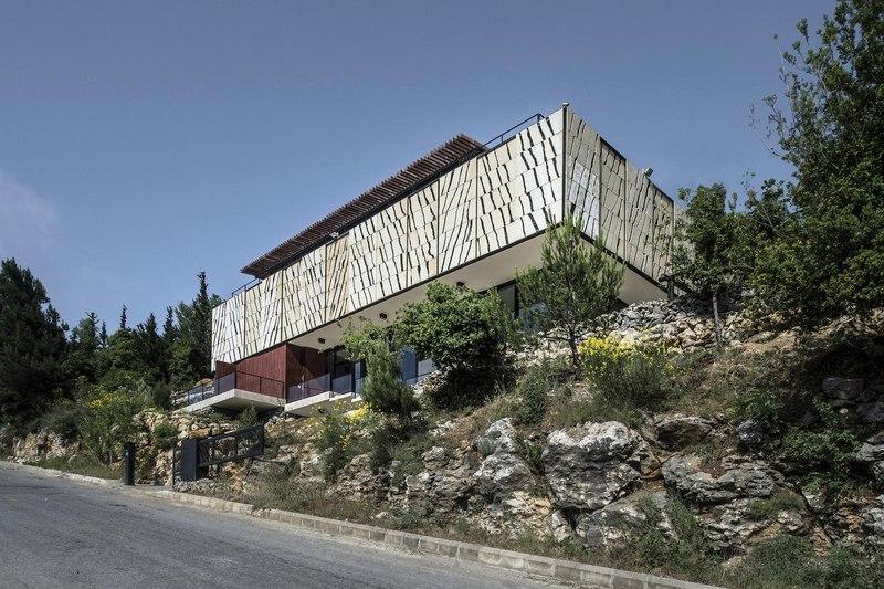 Tahan villa par blankpage architects kfour liban for Architecture maison traditionnelle libanaise
