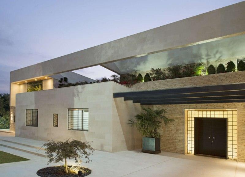 S house villa contemporaine par joe ingea architects for Architecture maison traditionnelle libanaise