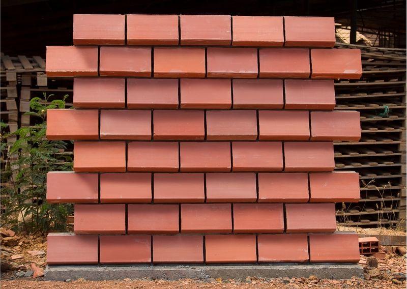 Des briques moul es pour r volutionner la construction - Brique murale ...