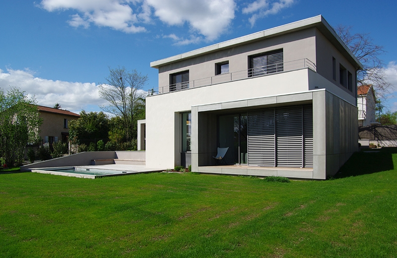 Maison contemporaine par dank architectes 69 france construire tendance - Couleur exterieur maison contemporaine ...