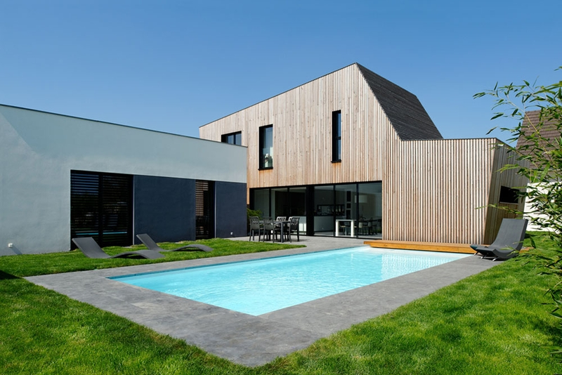 Fa Ade Terrasse Et Piscine Maison Bois B Ton Par Ideaa Architectures Colmar France Photo