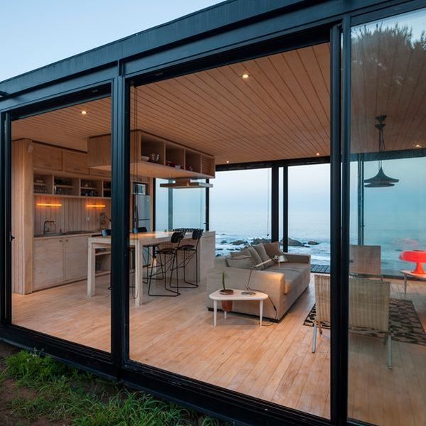 petite maison en bois contemporaine bordant l oc an au chili construire tendance. Black Bedroom Furniture Sets. Home Design Ideas